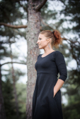Black dress with big hidden pockets and 3/4 sleeves